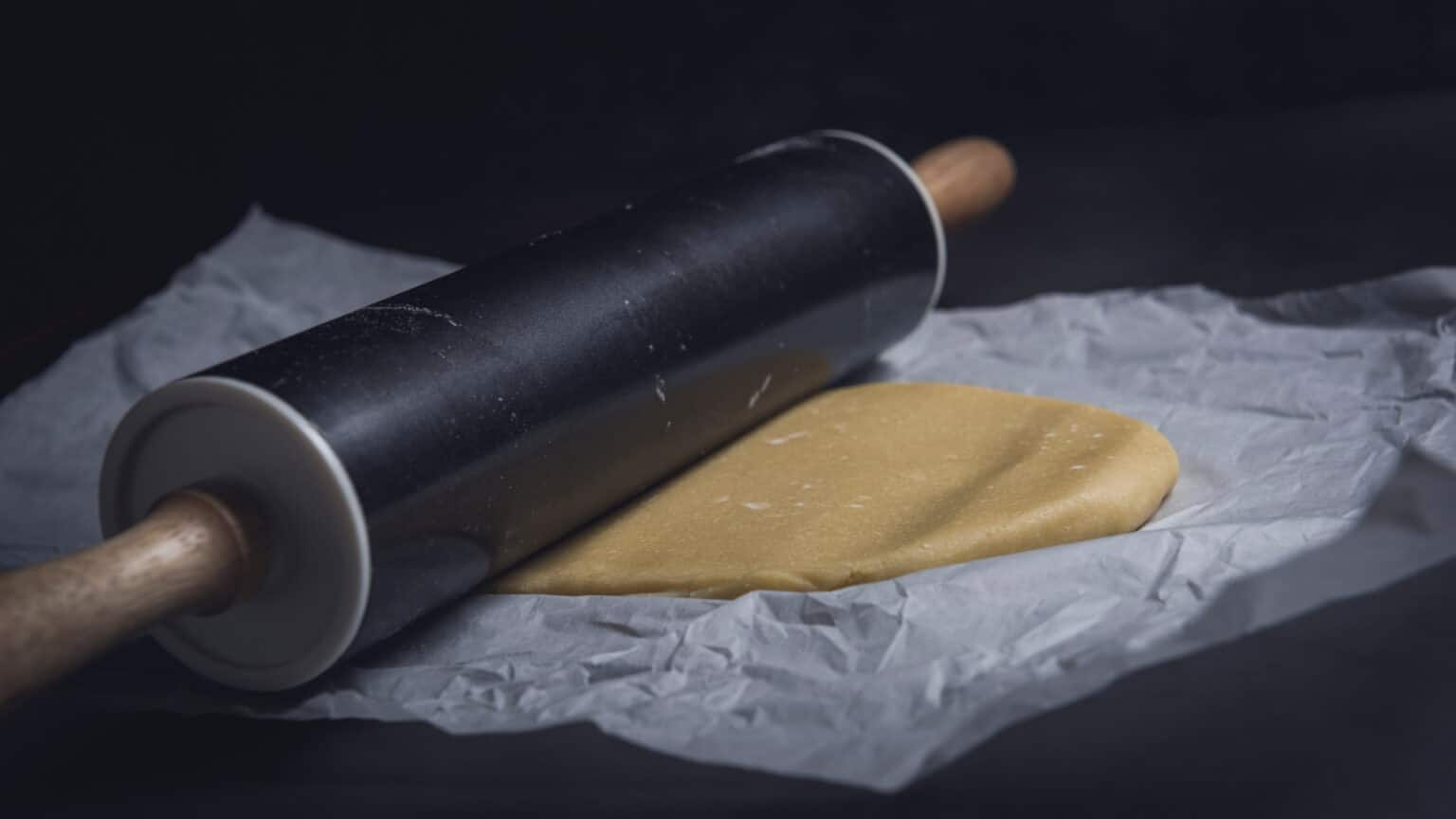 Is It Worth Buying a Rolling Pin Made of Plastic